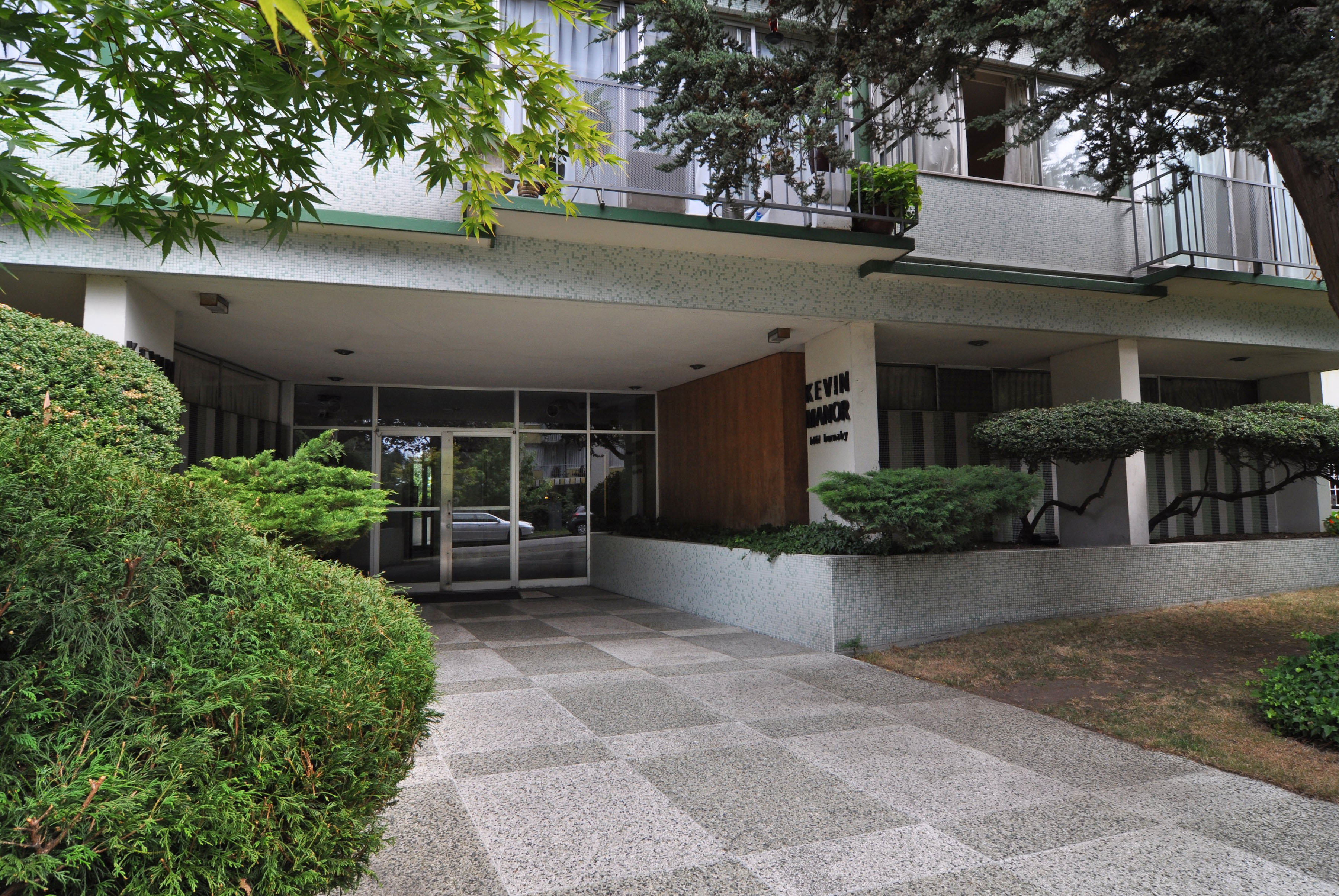 1661 Burnaby St, Vancouver, BC - $1,425
