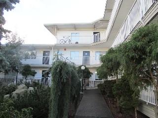 841 Esquimalt Road, Victoria, BC - $1,800