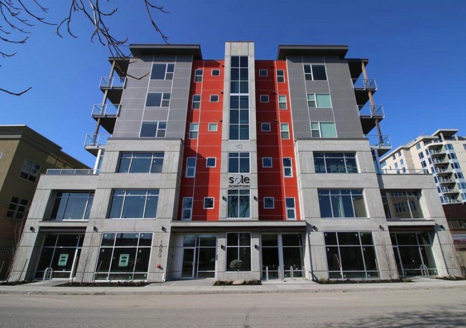 #402 - 1350 St. Paul Street, Kelowna, BC - $1,950 CAD/ month