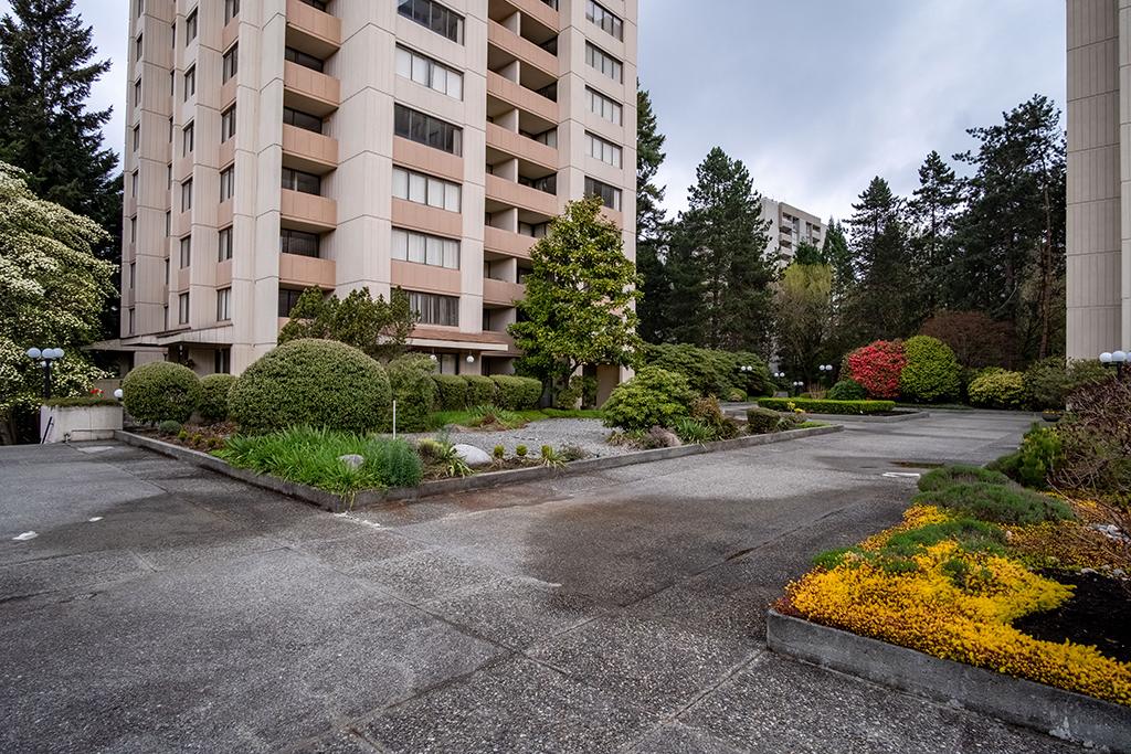 7360 Halifax Street, Burnaby, BC - 1,882 CAD/ month