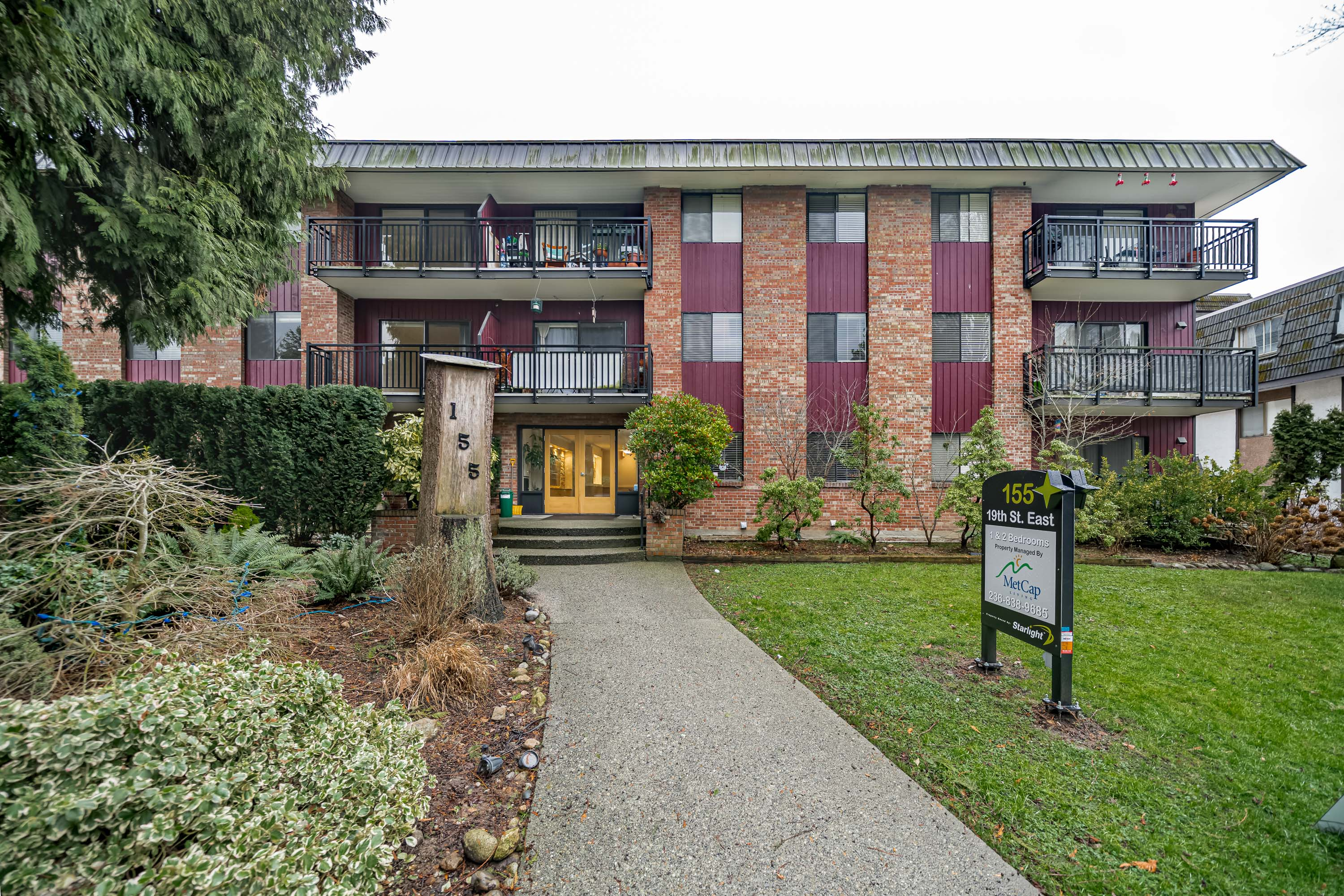55 19th Street, East, North Vancouver, BC - $2,995